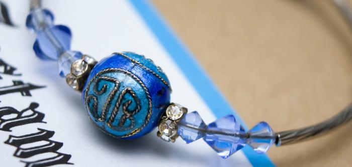 Bracelet de perles bleues