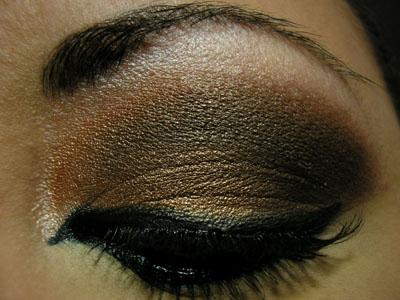 Oeil charbonneux